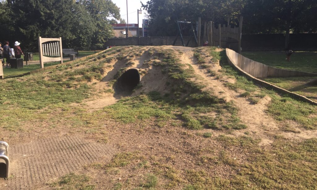 The hill and tunnel at Oaklands Park